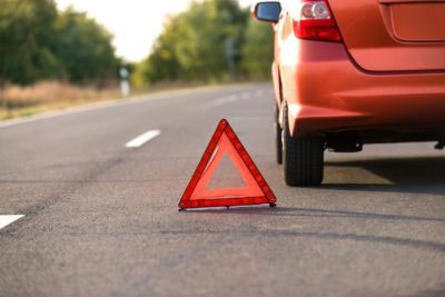 Check out these tips for what to do while waiting for a tow truck